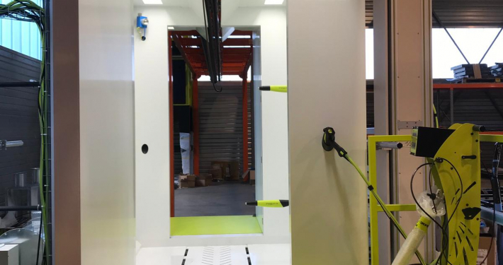 Automatic powder painAutomatic powder painting booth 1