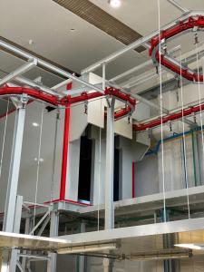 Impianto di verniciatura a elevata cadenza produttiva completamente automatizzato