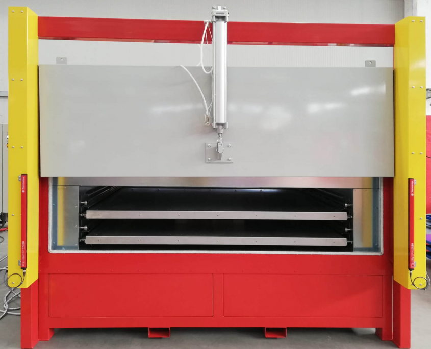 Oven for plastic softening of Plexiglass
